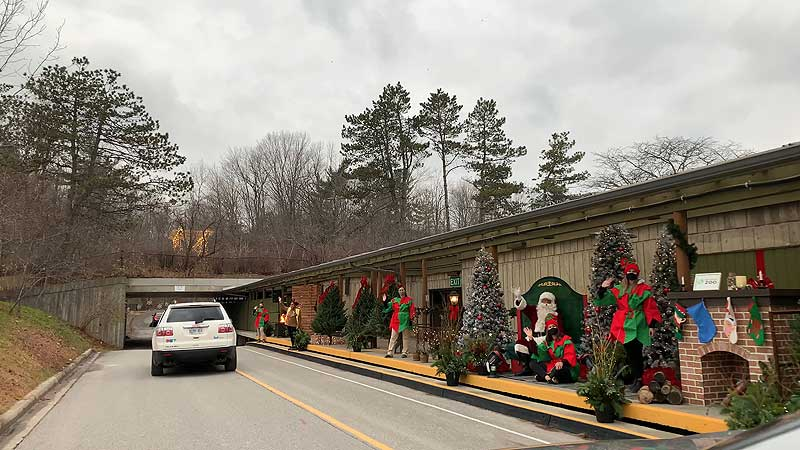 2020 Toronto Zoo. Holiday Drive-Thru